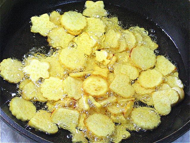 바삭바삭 맛있는 고구마과자.